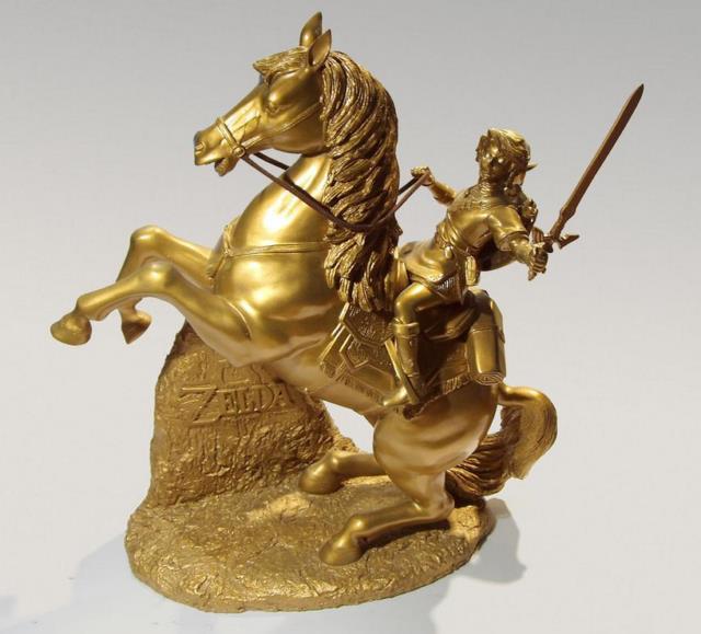 Club Nintendo Legend Of Zelda Twilight Princess Link On Epona Gold Statue L. E