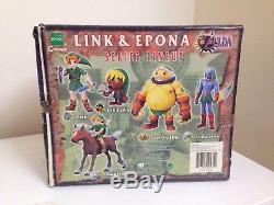 EPOCH Legend of Zelda Majora's Mask Link & Epona Figure Statue NEW NIB Nintendo