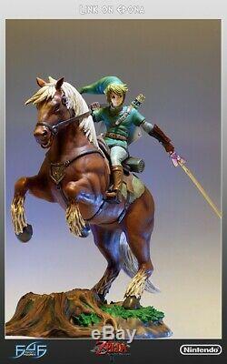 F4F First 4 Figures Link On Epona Statue Legend of Zelda NEW