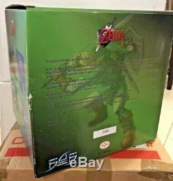 First4Figures F4F The Legend Of Zelda Green Tunic Link Edition Damaged