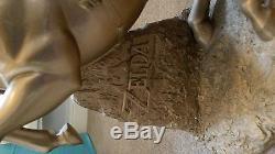 Legend of zelda gold epona link statue rare club nintendo