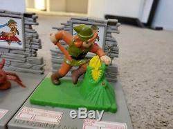 Nintendo Trophy Figure The Legend of Zelda RARE Link 1988 set of 5