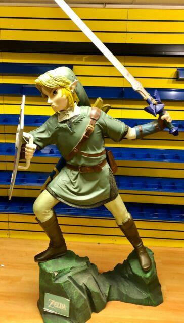 The Legend Of Zelda Link Life-size Statue Ultra Rare Only 50 In The World