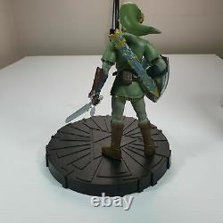 The Legend of Zelda Twilight Princess -10-Inch Link Statue Nintendo Damaged Box